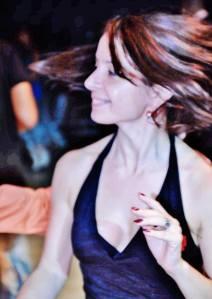 Ariane Butel Prof. diplômée de Salsa - Piapiadanstoncorps